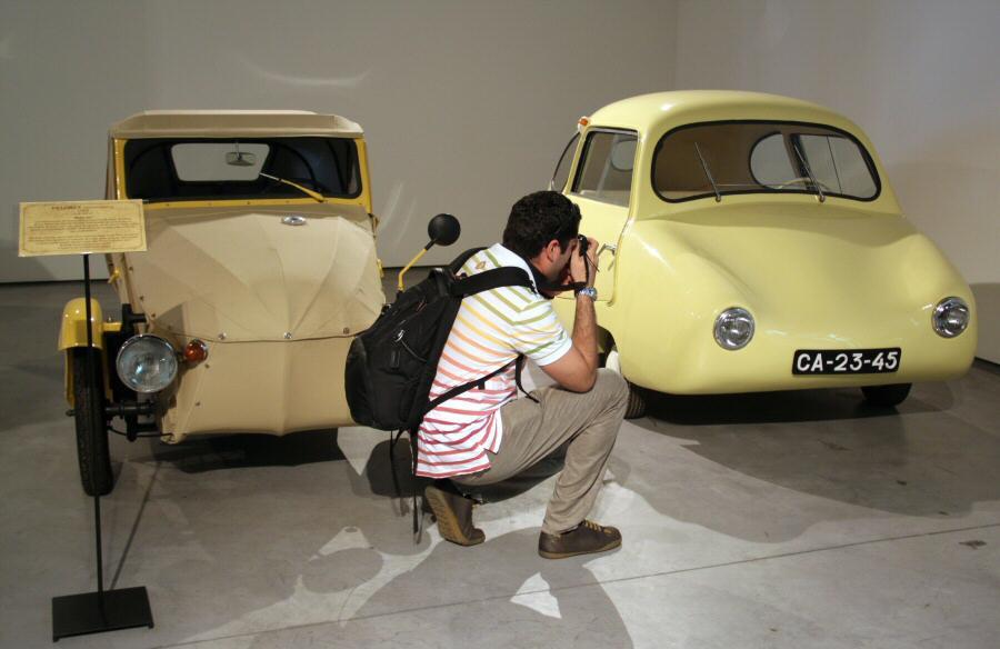 verboden bezoek museum automobiel